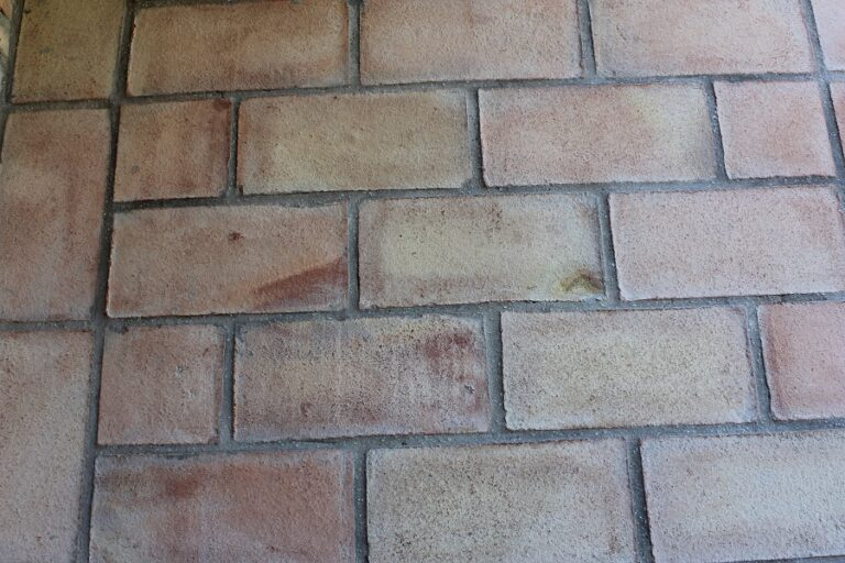 Ladrillo mazari de barro artesanal tonalidad rojiza 01