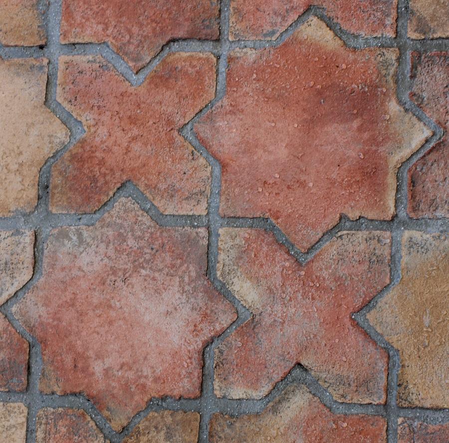Losa de barro tonalidad rojiza combinación estrella y cruz 01