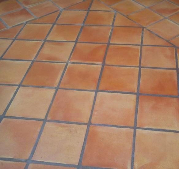 Suelo de barro cocido formato cuadrado