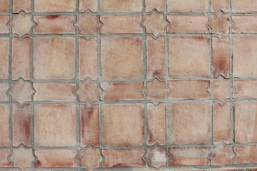 Suelo de barro tonalidad rojiza combinación mudéjar 02