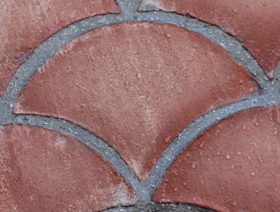 suelo de barro tonalidad rojiza formato violín 01